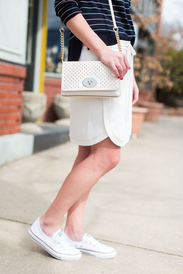 @coach crossbody bag + @converse +@jcrew skirt | @jessicazimlich