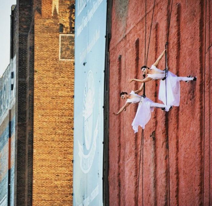 wall dancing