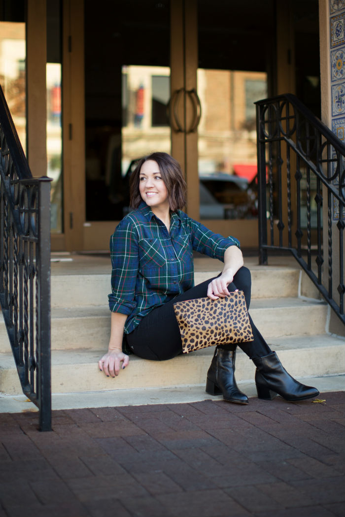 how to wear leopard and plaid