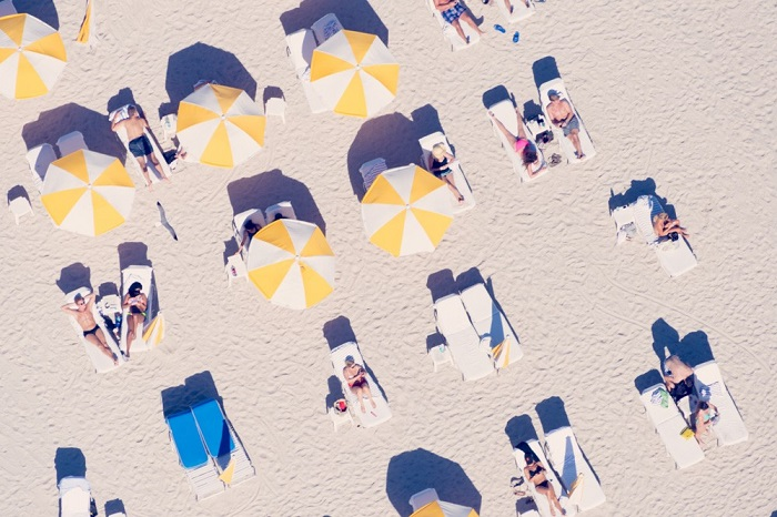 little yellow umbrellas