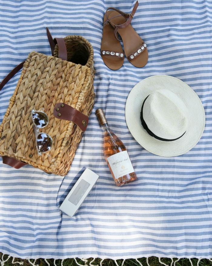 picnic basket necessities
